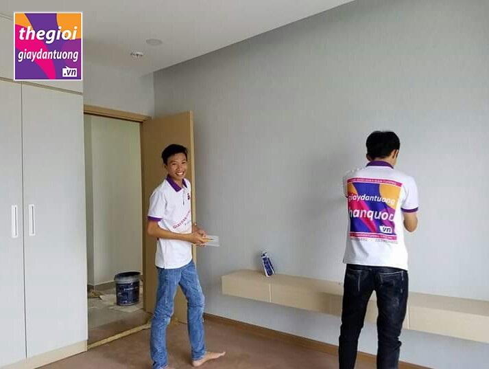 giấy dán tường một màu trơn hiện đại